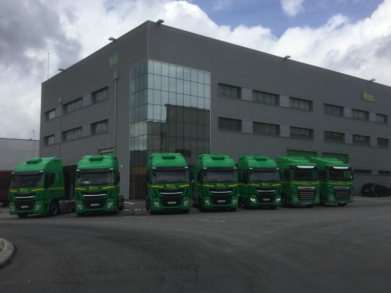 cabezas tractoras,renovación camiones,servicios logísticos,logística,transporte,flota de camiones,tsb,entrega 24/48 horas