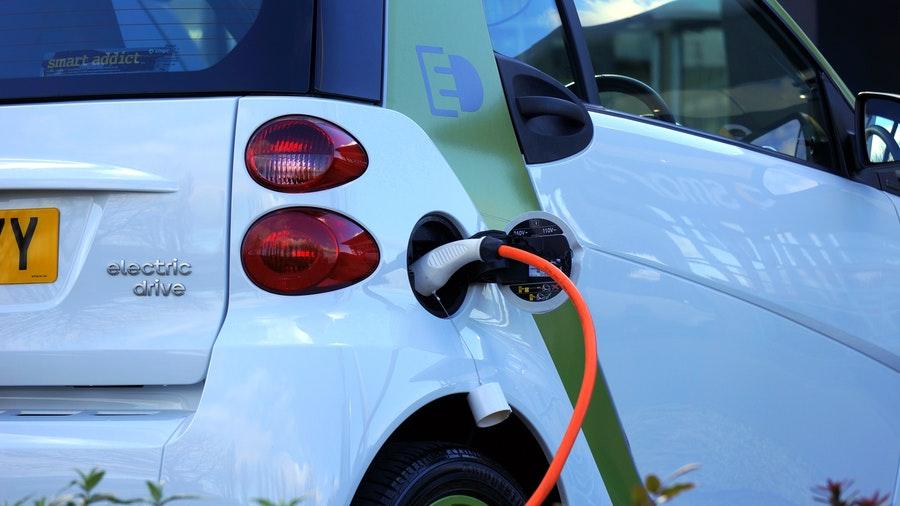 logistica,verde,logistica verde,energias sostenibles,reducir emisiones,energias renovables,fuentes energias alternativas,coches electrícos,pequeñas furgonetas